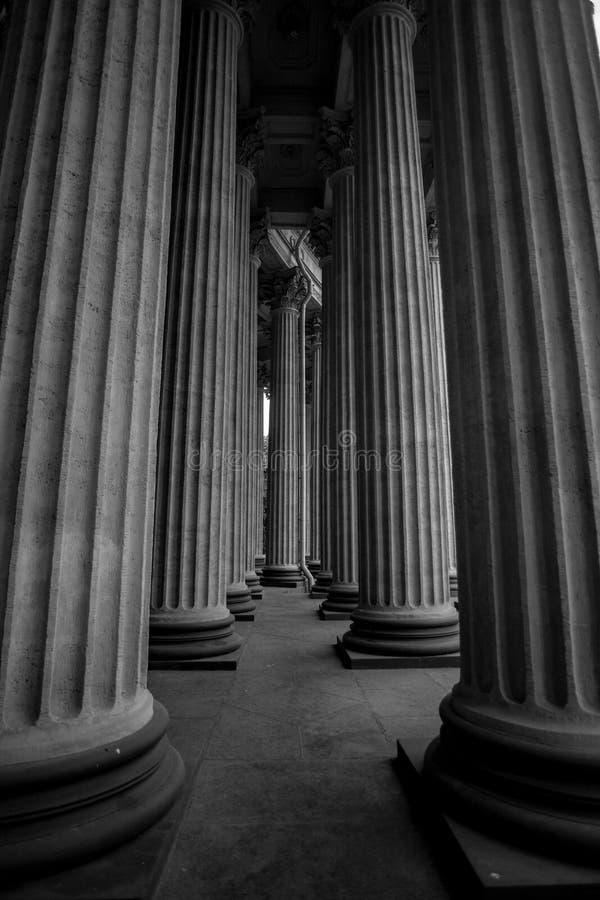 Arquitectura blanco y negro de St Petersburg fotografía de archivo libre de regalías