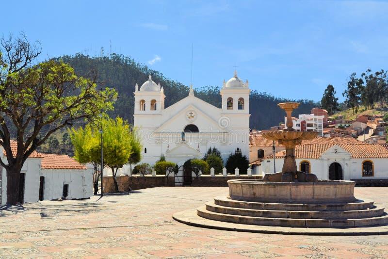 Arquitectura colonial blanca en Sucre, Bolivia foto de archivo libre de regalías