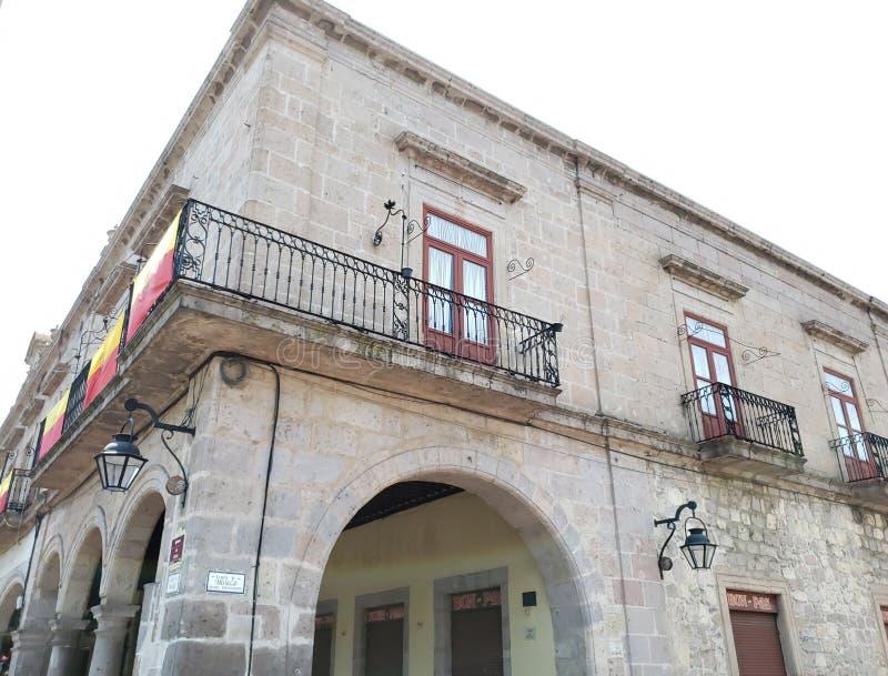arquitectura colonial del estilo en la ciudad de Morelia, M?xico fotos de archivo libres de regalías