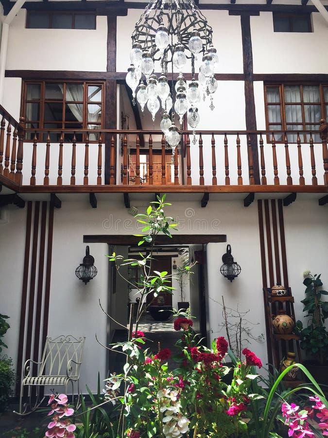 Arquitectura colonial del hotel selecto en Cuenca Ecuador imagen de archivo libre de regalías