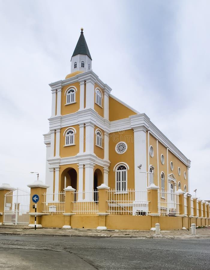 Arquitectura colonial holandesa en Willemstad, Curaçao Templo Manuel ahora usado como edificio administrativo de la ciudad imágenes de archivo libres de regalías