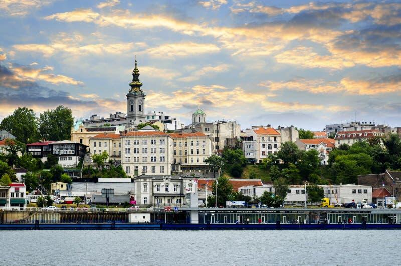 Arquitectura da cidade de Belgrado em Danúbio fotografia de stock royalty free