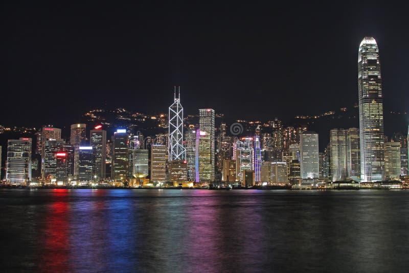 Arquitectura da cidade de Hong Kong na noite fotografia de stock
