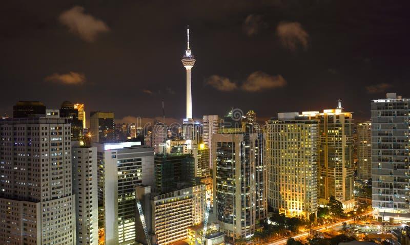 Arquitectura da cidade de Kuala Lumpur com KLtower foto de stock royalty free
