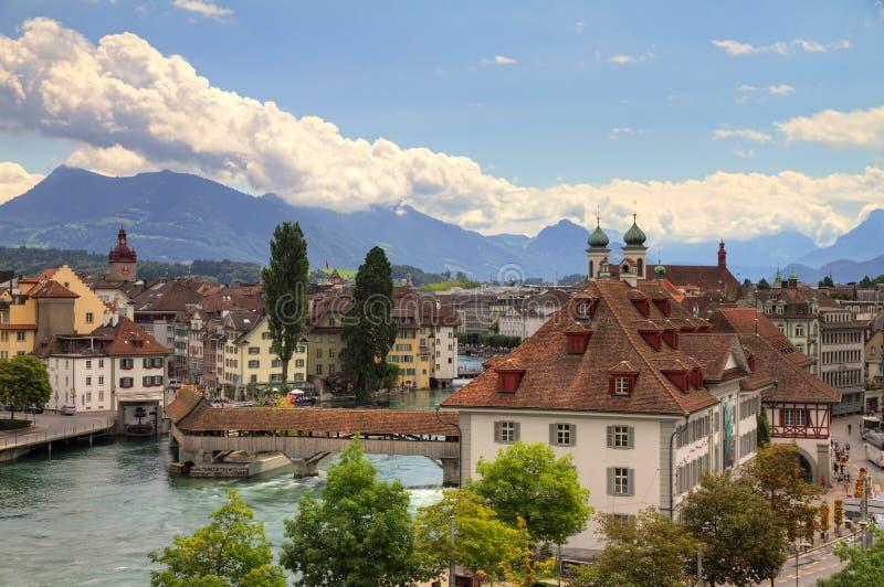 Arquitectura da cidade de Luzern imagem de stock royalty free