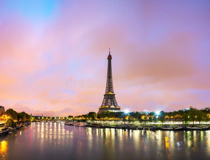 Arquitectura da cidade de Paris com torre Eiffel fotografia de stock royalty free