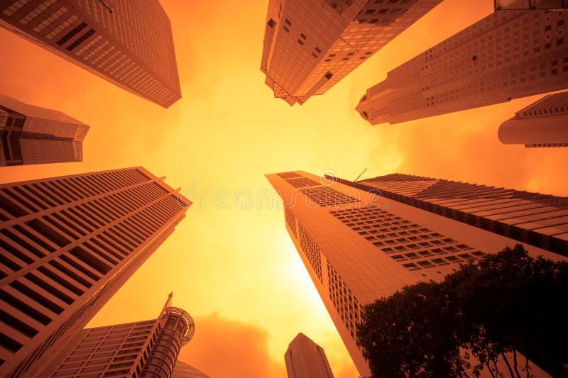 Arquitectura da cidade urbana no por do sol imagens de stock royalty free