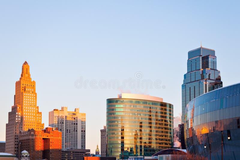 Arquitectura de Kansas City en la salida del sol foto de archivo libre de regalías