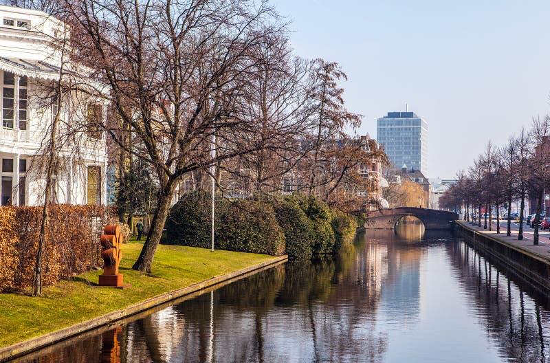 Arquitectura de La Haya moderna y de x28; Den Haag y x29; centro de ciudad netherlands fotografía de archivo