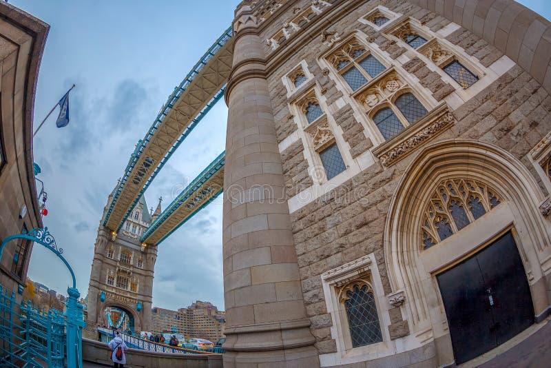 Arquitectura de la opinión de ojo de pescados del puente de la torre, Londres, Reino Unido imagen de archivo libre de regalías