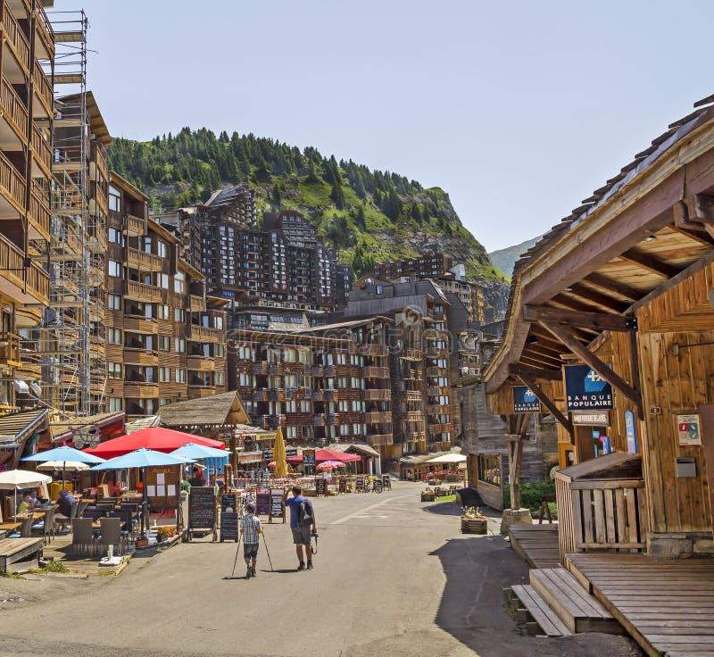 Arquitectura de madera de Avoriaz, montañas francesas foto de archivo