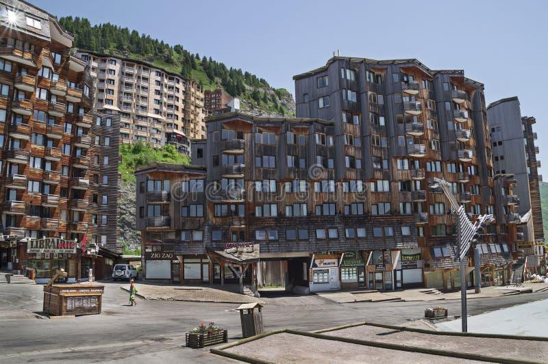 Arquitectura de madera de Avoriaz, montañas francesas imagen de archivo
