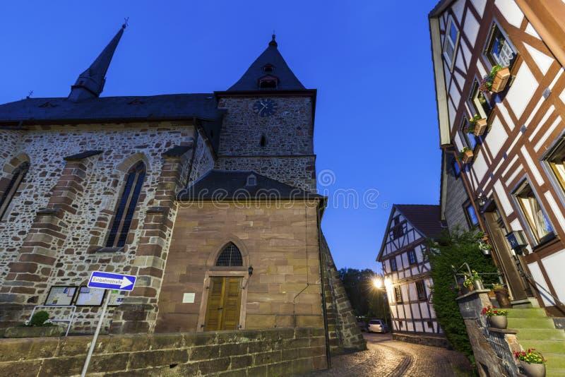 Arquitectura de Neustadt en la noche imagen de archivo