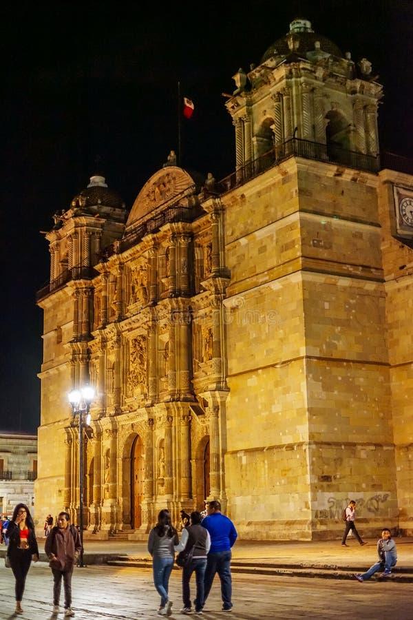 Arquitectura de Oaxaca en la noche, México imágenes de archivo libres de regalías