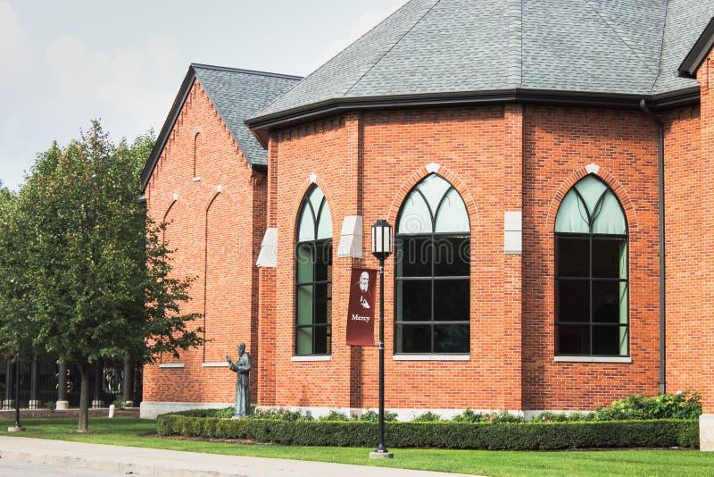 Arquitectura exterior del ladrillo en el frente de Casey Solanus Center fotografía de archivo libre de regalías