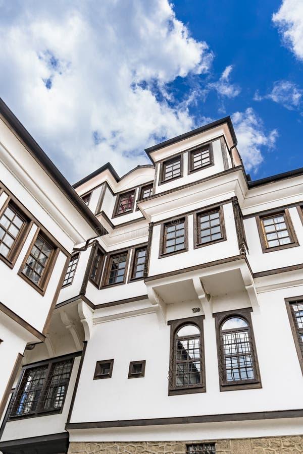 Arquitectura genérica de la casa tradicional del Urania en Ohrid fotografía de archivo