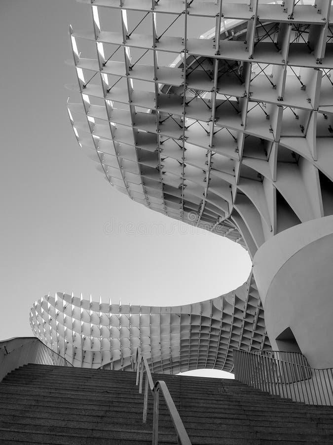 Arquitectura hermosa en Sevilla fotografía de archivo libre de regalías