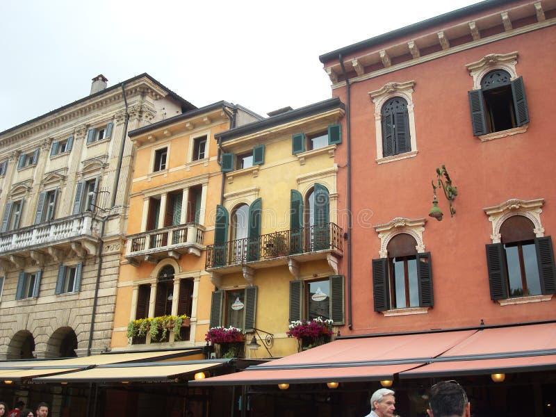 Arquitectura hermosa en Verona magnífica foto de archivo libre de regalías