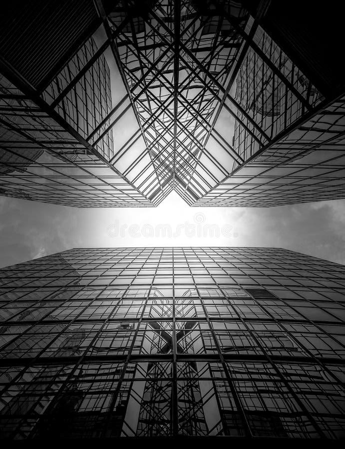 Arquitectura moderna de Hong Kong blanco y negro imagenes de archivo