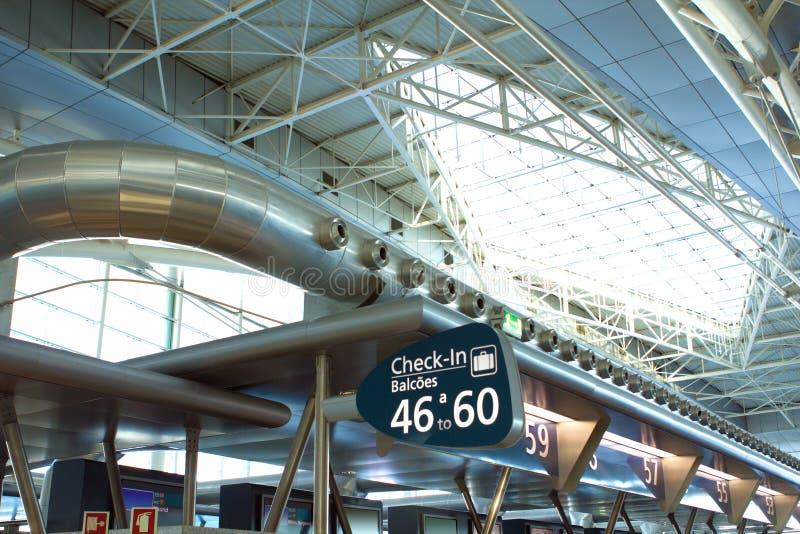Arquitectura moderna del aeropuerto foto de archivo libre de regalías
