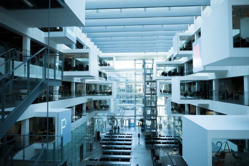 Arquitectura moderna futurista, cubículos e interioor de los ladrillos imágenes de archivo libres de regalías