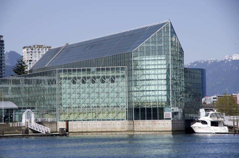 Arquitectura moderna, la plaza de naciones imágenes de archivo libres de regalías