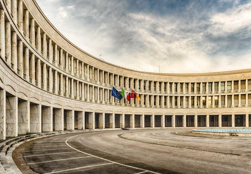 Arquitectura neoclásica en el distrito del EUR, Roma, Italia foto de archivo libre de regalías