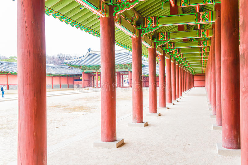 Arquitectura tradicional hermosa del palacio de Changdeokgung en Seul fotografía de archivo