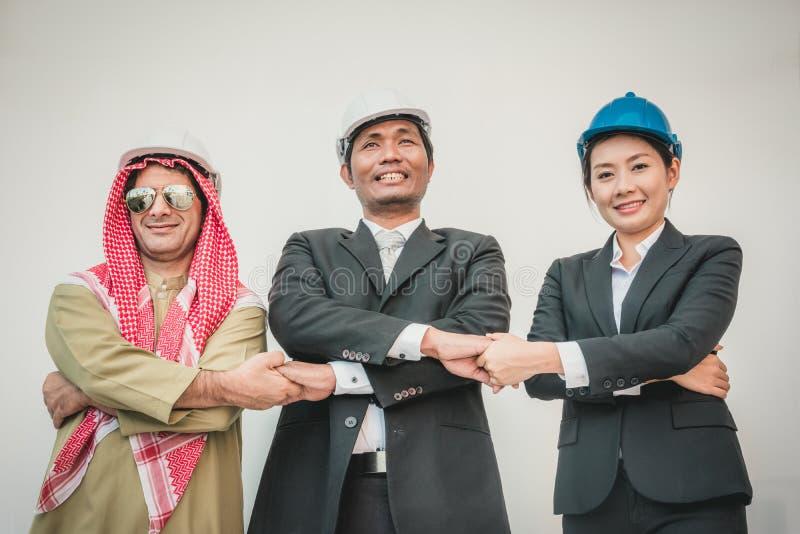Arquiteto e trabalhador do coordenador de construção da equipe do negócio fotos de stock