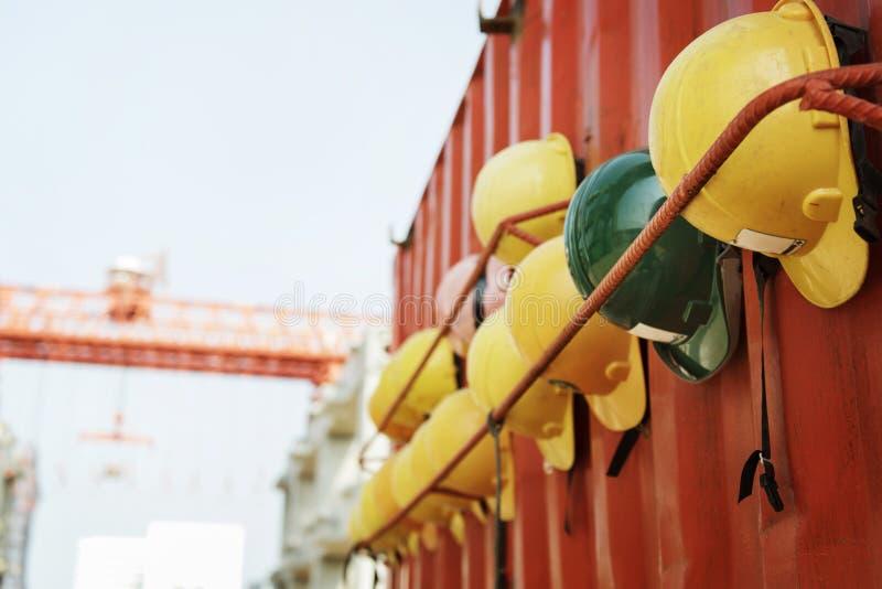Arquiteto Plan Construction Concept da segurança do capacete do capacete de segurança imagens de stock