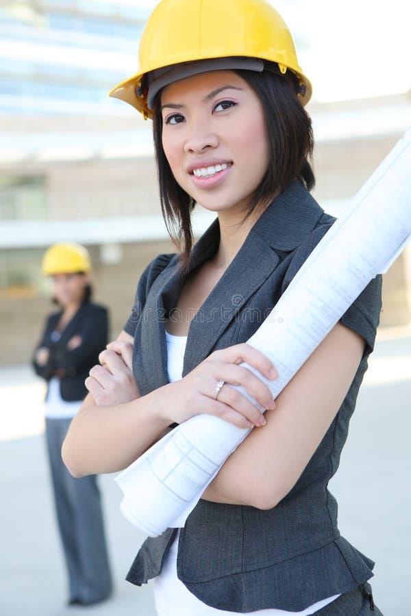 Arquitetos do negócio das mulheres imagens de stock royalty free