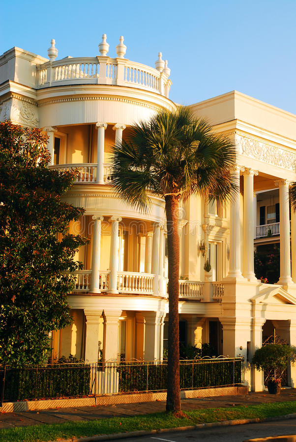 Arquitetura Antebellum em Charleston, SC fotografia de stock royalty free