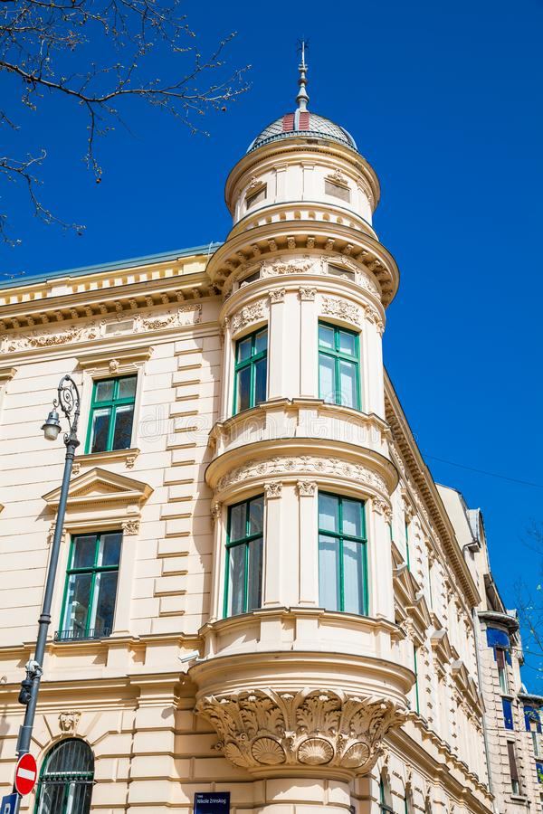 Arquitetura antiga bonita na mais baixa cidade em Zagreb fotografia de stock royalty free