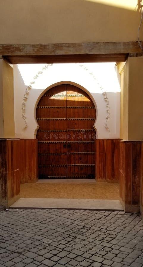Arquitetura bonita da cidade fortificada velha Medina C4marraquexe fotos de stock royalty free