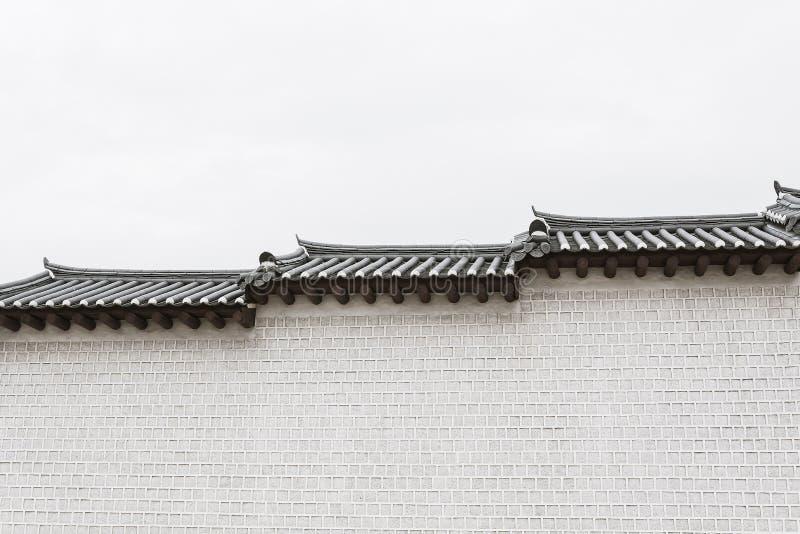 Arquitetura bonita e velha no palácio de Gyeongbokgung em Seoul fotos de stock royalty free