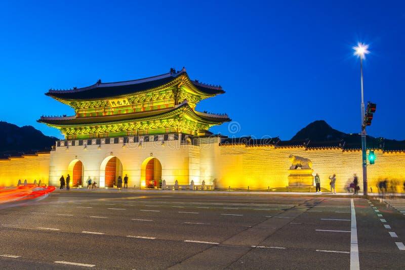 Arquitetura bonita no palácio de Gyeongbokgung na cidade Kor de Seoul imagens de stock royalty free