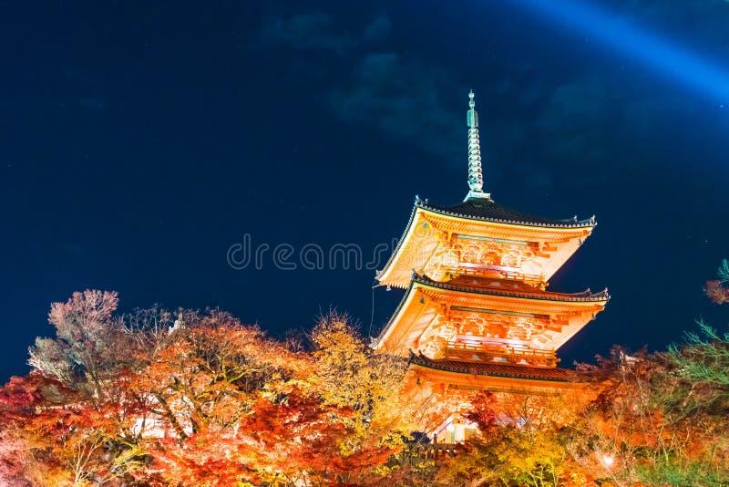 Arquitetura bonita no templo Kyoto de Kiyomizu-dera imagens de stock