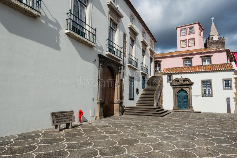 Arquitetura colonial da cidade velha de Funchal, ilha de Madeira, Portugal imagem de stock