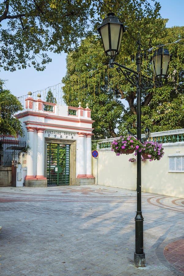 Arquitetura colonial portuguesa na porcelana de macau foto de stock