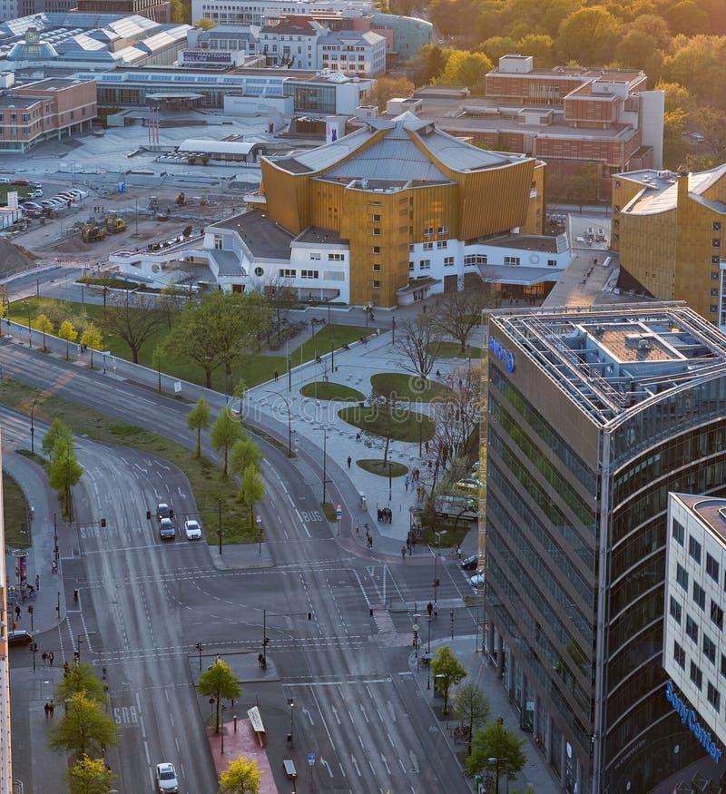 Arquitetura da cidade aérea da noite de Berlim, Alemanha fotos de stock