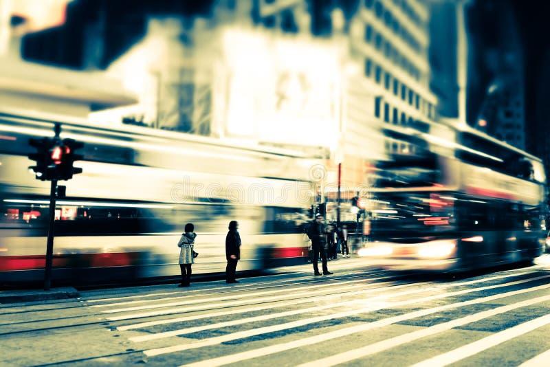 Arquitetura da cidade abstrata opinião borrada da noite Hon Kong fotografia de stock royalty free