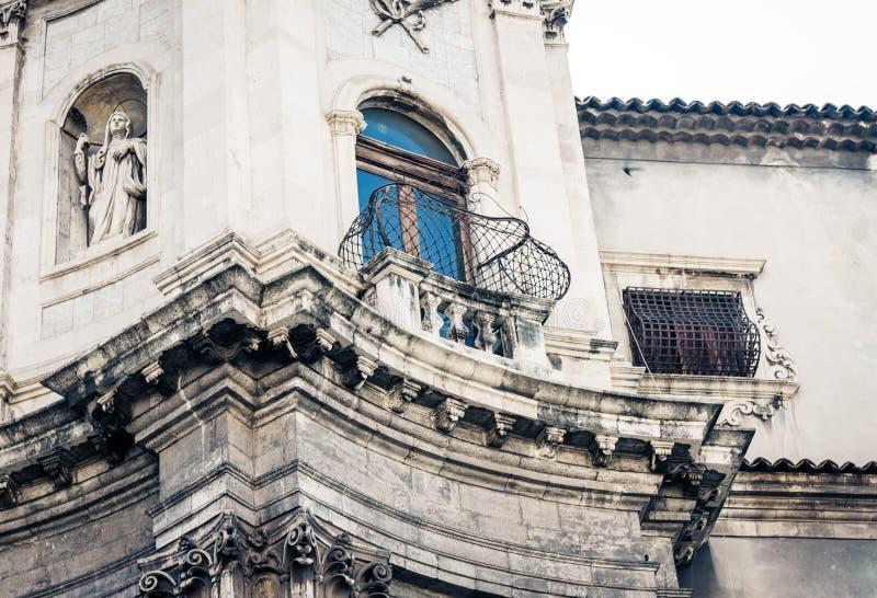 Arquitetura da cidade bonita de It?lia, fachada da catedral velha Catania, Sic?lia, It?lia, della Collegiata da bas?lica, igreja  fotos de stock royalty free