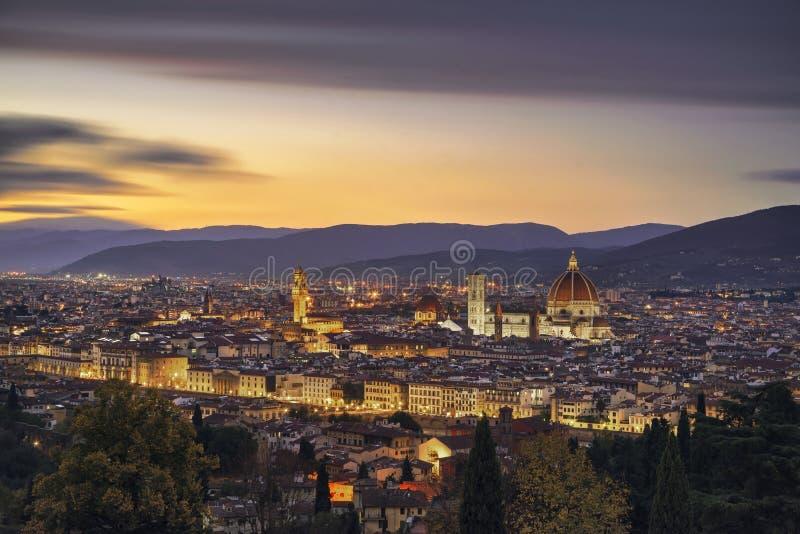 Arquitetura da cidade da antena do por do sol de Florença ou de Firenze Toscânia, Italy foto de stock royalty free
