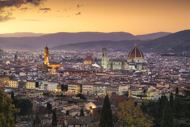 Arquitetura da cidade da antena do por do sol de Florença ou de Firenze Toscânia, Italy foto de stock