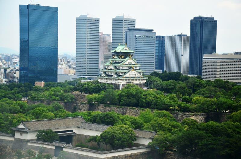 Arquitetura da cidade da vista aérea da cidade de Osaka ao redor do castelo de Osaka imagem de stock royalty free