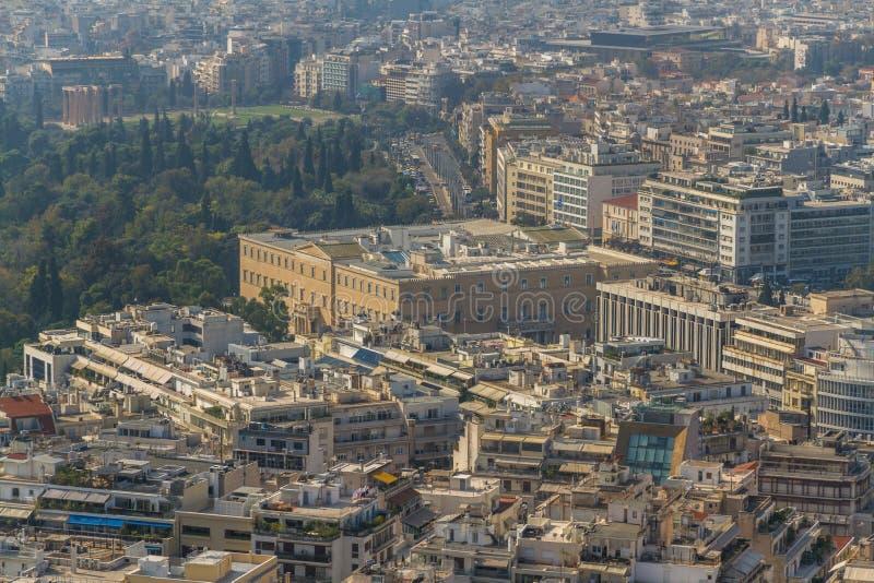 Arquitetura da cidade de Atenas que inclui a casa do parlamento imagens de stock royalty free