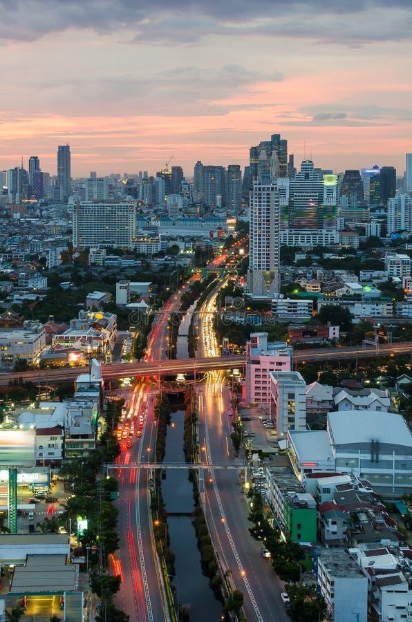 Arquitetura da cidade de Banguecoque com canal imagem de stock royalty free