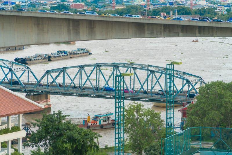 A arquitetura da cidade de Banguecoque e de rio imagens de stock royalty free