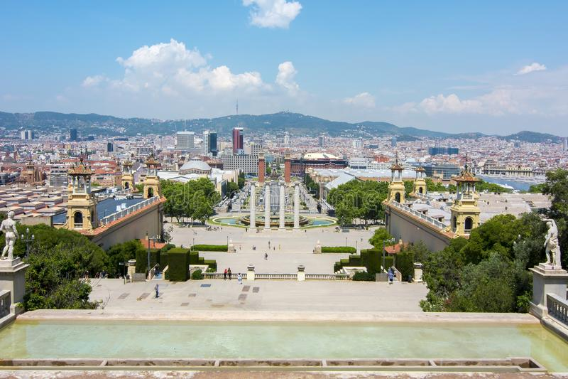 Arquitetura da cidade de Barcelona do monte de Montjuic, Espanha fotografia de stock