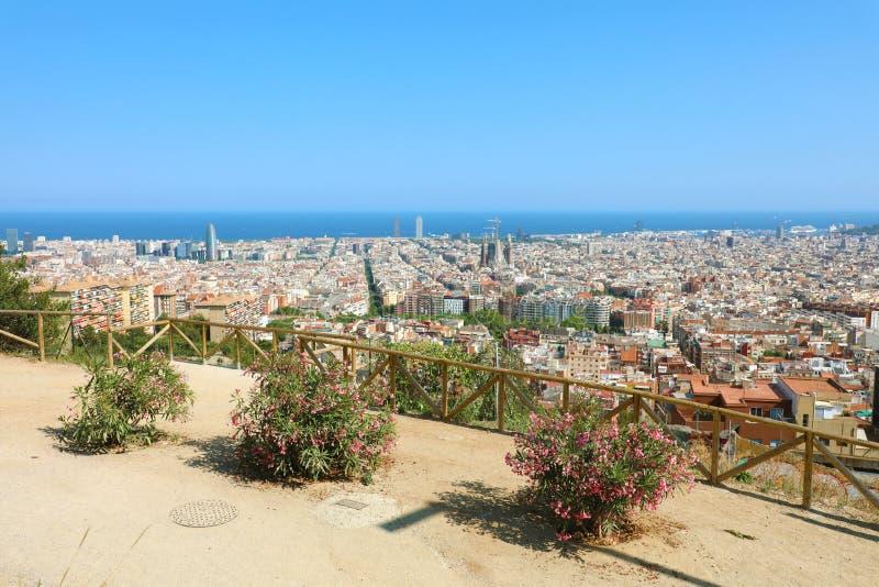 Arquitetura da cidade de Barcelona do terraço, Catalonia, Espanha imagem de stock